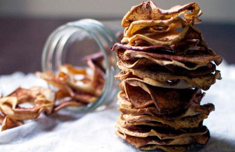 Chipsuri de mere cu scortisoara