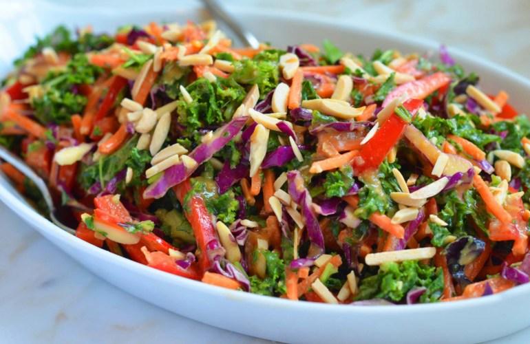 Salata de varza Kale